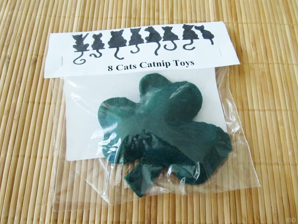 Shamrock Cat Toy by The California Chi [Vegan Presence March box]